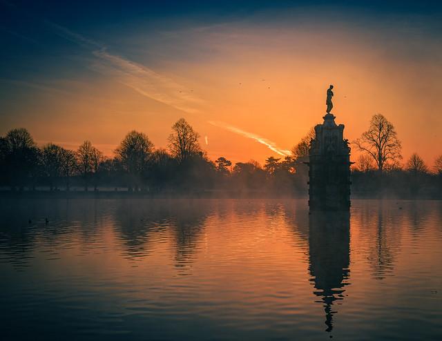 Sunrise in Bushy Park, London ブッシー公園の日の出、ロンドン (Explored 8/iii/2021)