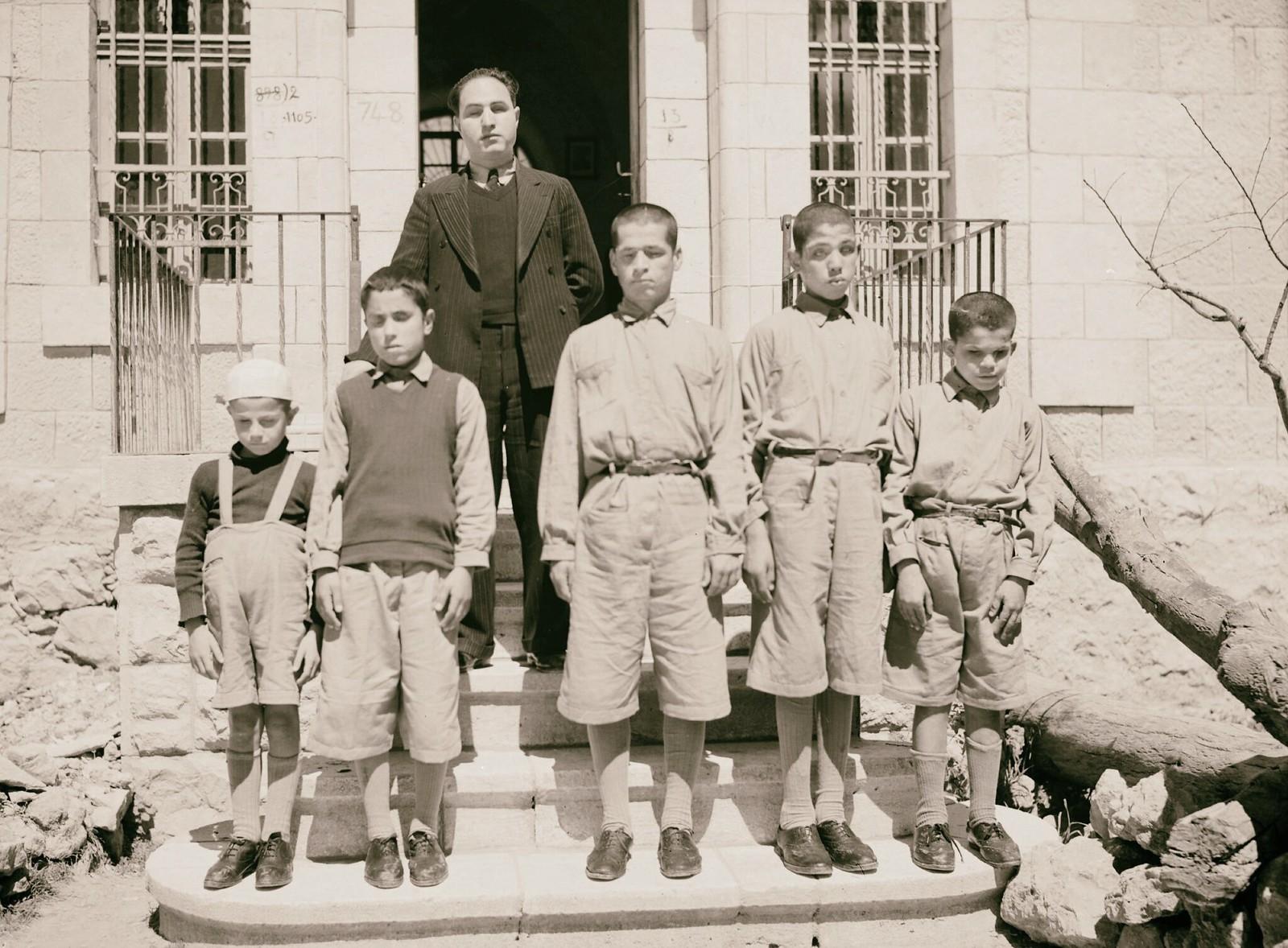 04. Групповые фотографии школы слепых в Хевроне