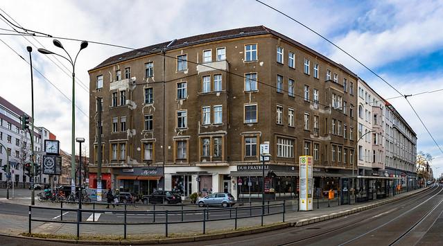 ... und vis-à-vis ein Hauch Ost-Berlin...