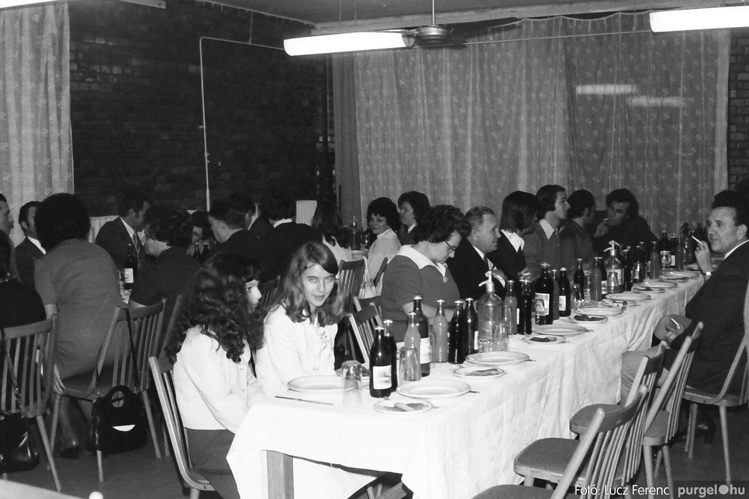 066-067. 1976. A Herkulesfürdői emlék című film ősbemutatója Szegváron 023. - Fotó: Lucz Ferenc.jpg