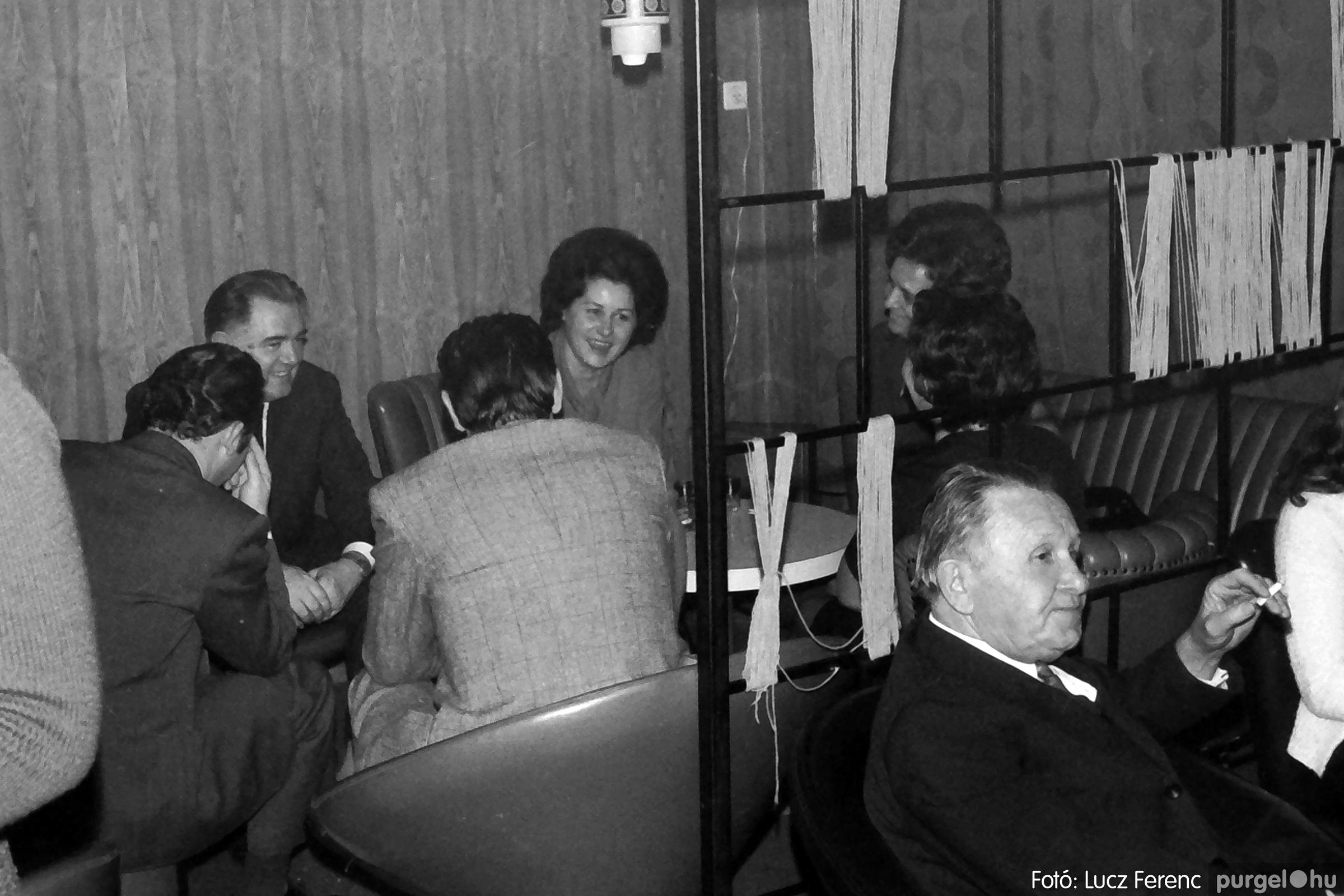 066-067. 1976. A Herkulesfürdői emlék című film ősbemutatója Szegváron 018. - Fotó: Lucz Ferenc.jpg