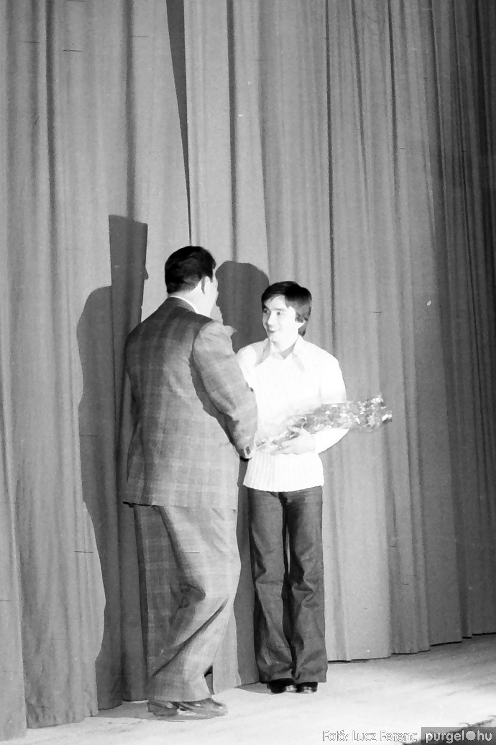 066-067. 1976. A Herkulesfürdői emlék című film ősbemutatója Szegváron 008. - Fotó: Lucz Ferenc.jpg