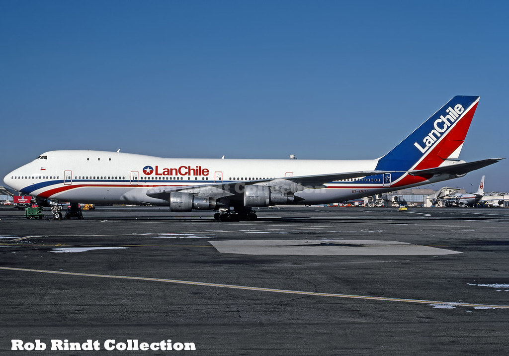 Lan Chile B747-130 EI-BED