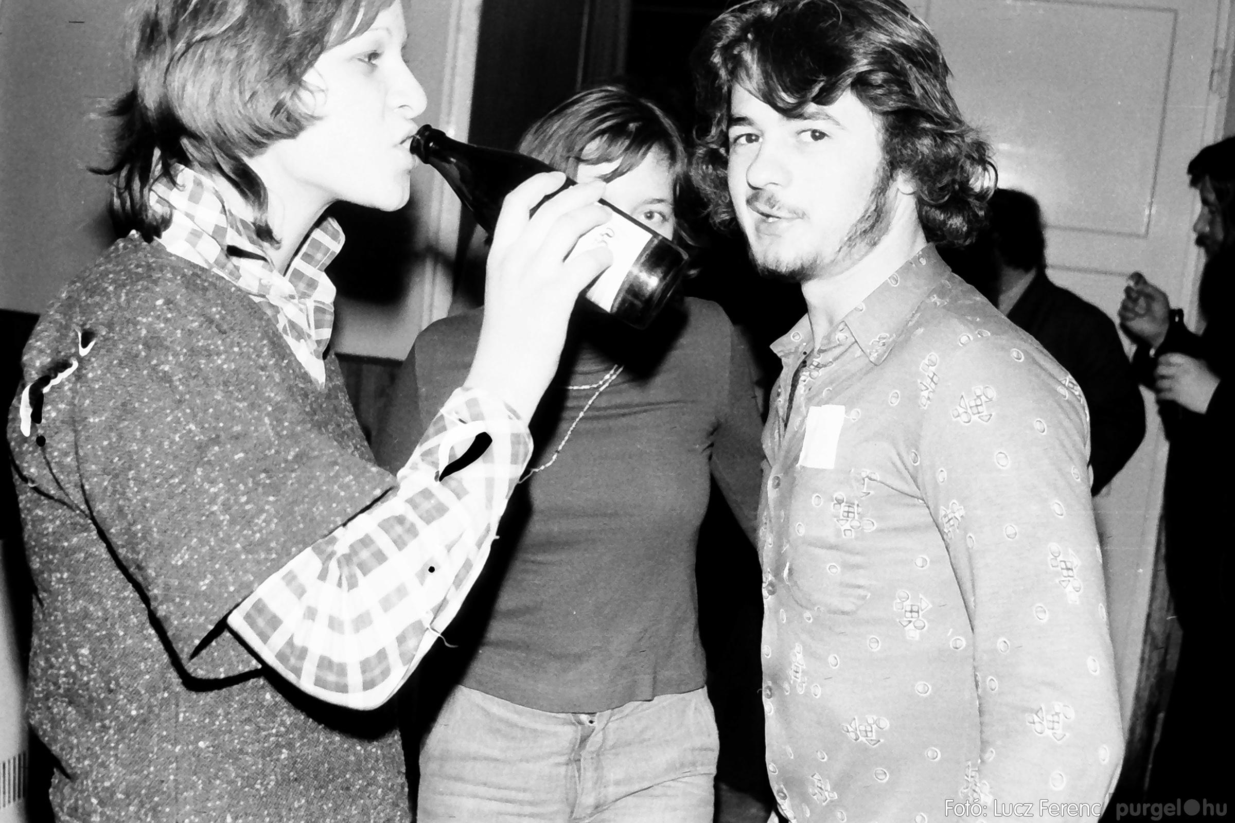 072. 1977. A botrányba fulladt Neoton koncert 010. - Fotó: Lucz Ferenc.jpg