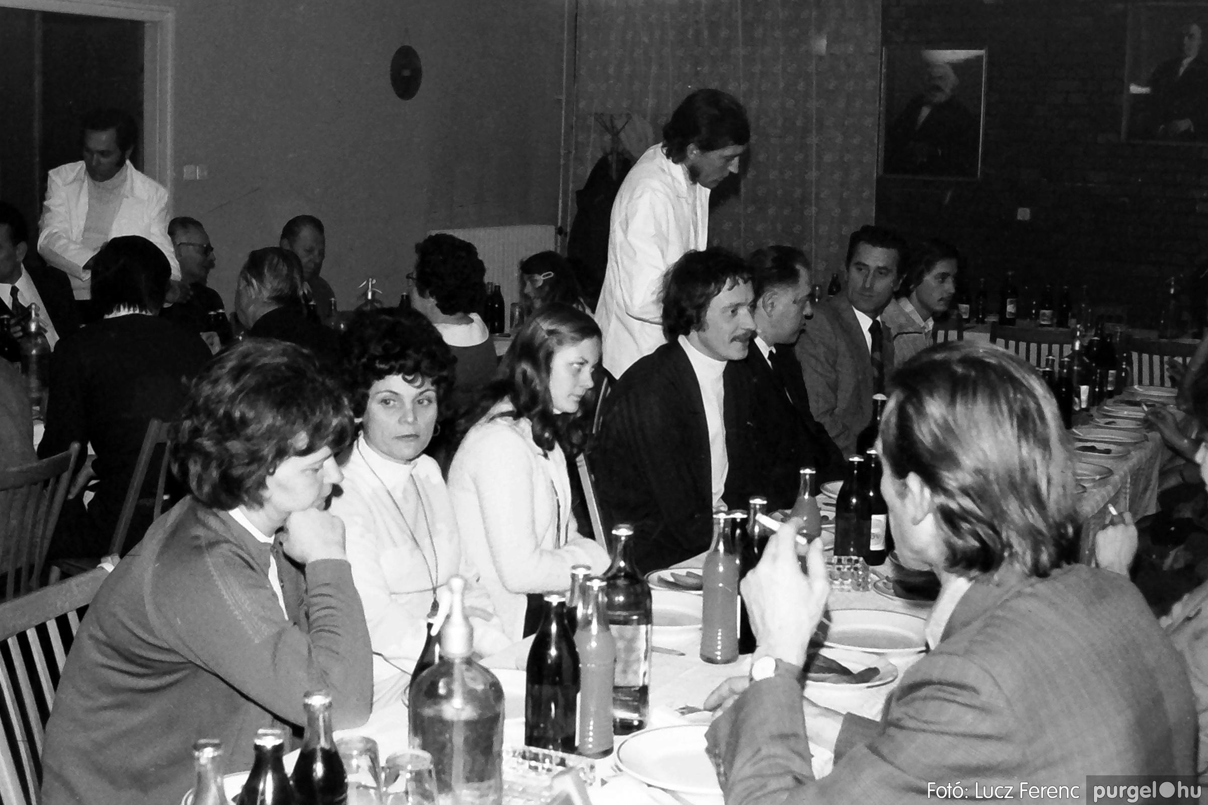 066-067. 1976. A Herkulesfürdői emlék című film ősbemutatója Szegváron 028. - Fotó: Lucz Ferenc.jpg