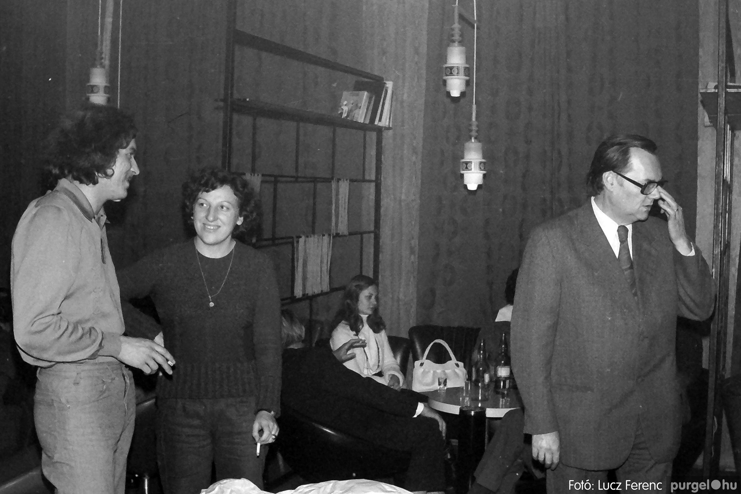 066-067. 1976. A Herkulesfürdői emlék című film ősbemutatója Szegváron 017. - Fotó: Lucz Ferenc.jpg