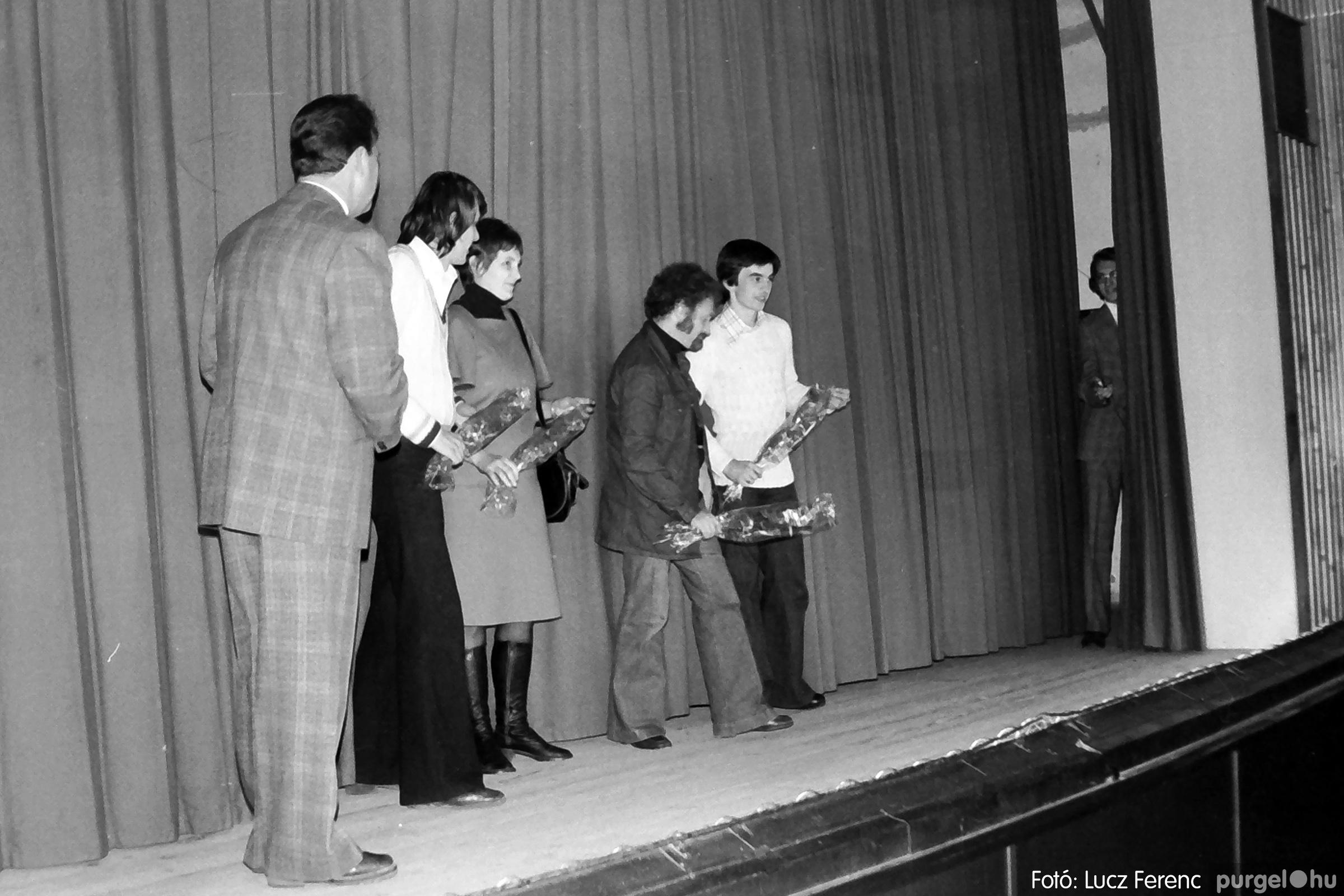 066-067. 1976. A Herkulesfürdői emlék című film ősbemutatója Szegváron 014. - Fotó: Lucz Ferenc.jpg