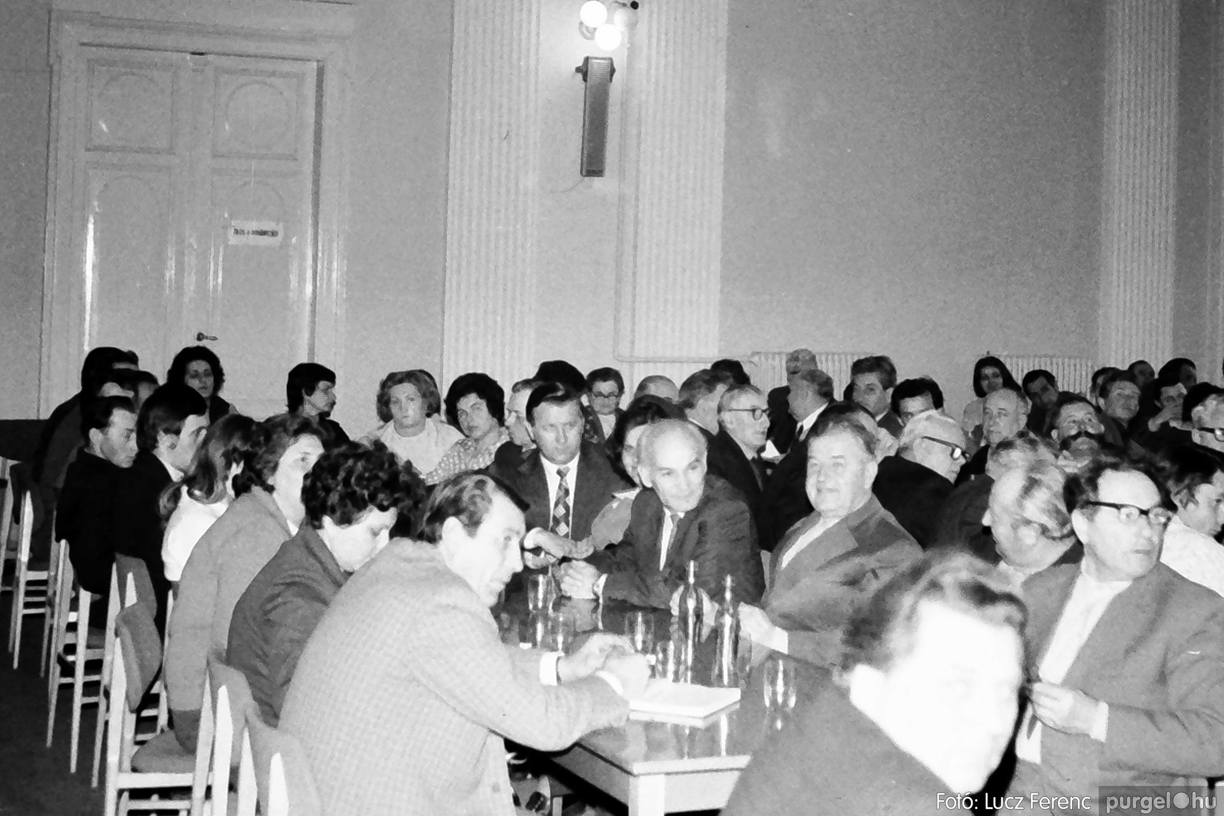 072. 1977. ÁFÉSZ küldöttgyűlés a szentesi megyeházban 010. - Fotó: Lucz Ferenc.jpg