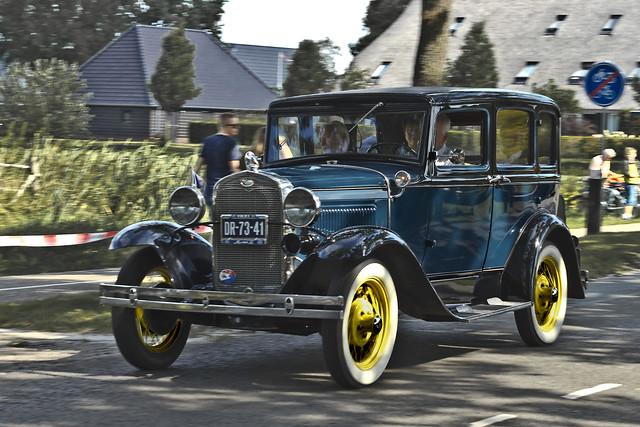 Ford Model A Town Sedan 1931 (8787)