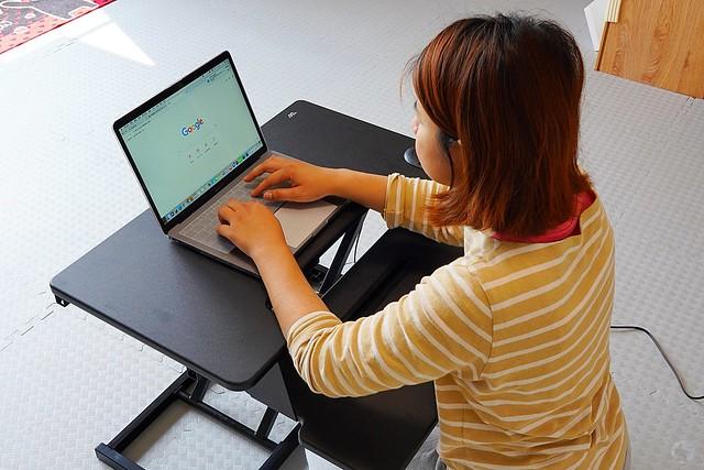 E-ach UP 桌上型電動升降桌