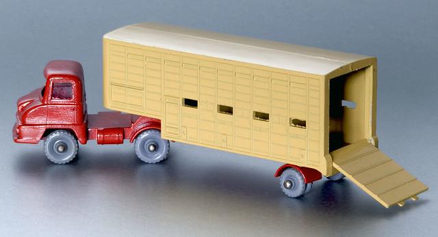 Matchbox N. M7 Ford Thames Trader Jennings Cattle Truck