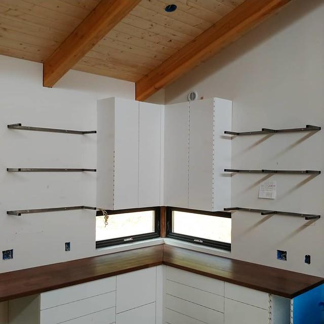 The #shelfbrackets are up for the #openshelves #floatingshelves, next up tile. The coffee/breakfast bar shelves will get #brackets & a tool bar.