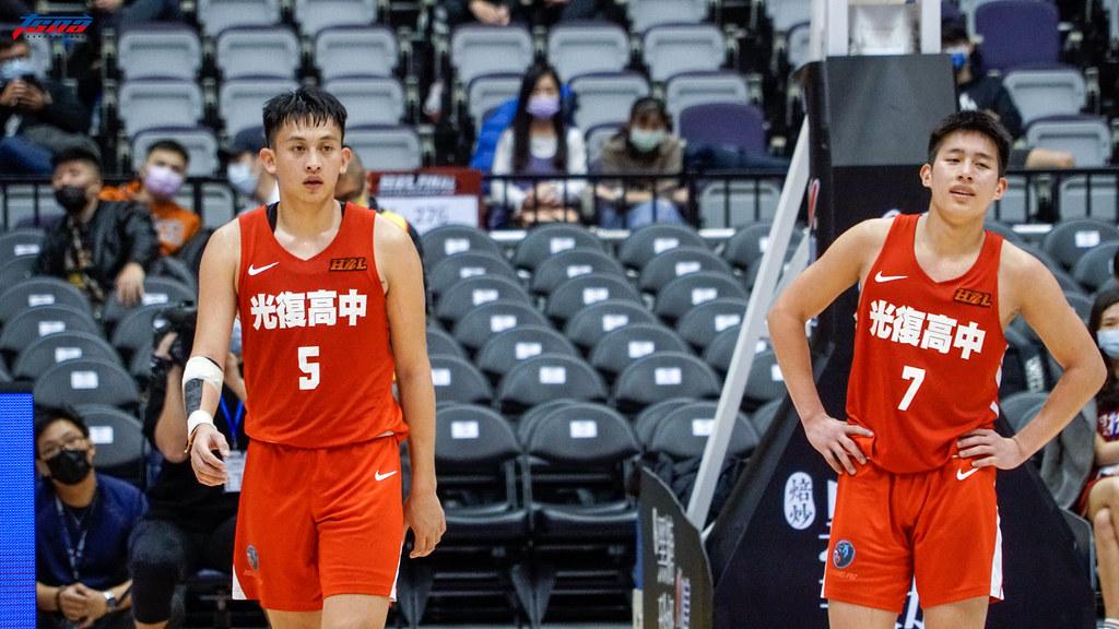 陳將双(左)與莊朝勝。(記者賴柏安攝)