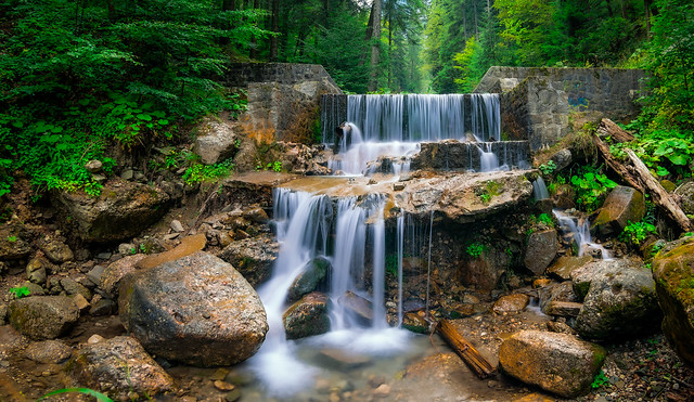 Fish-eye waterfall