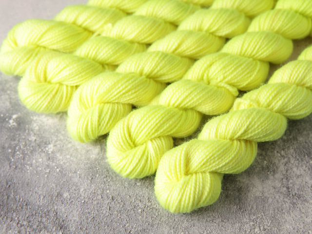 Favourite Sock Minis – pure Merino wool superwash 4 ply / fingering hand dyed yarn 20g miniskeins – 'Zesty'