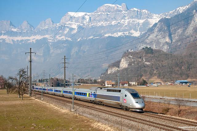 TGV bei Flums
