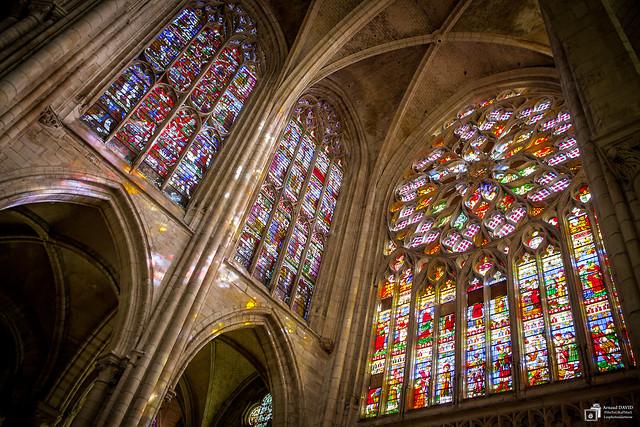 Cathédrale de Sens, vitraux