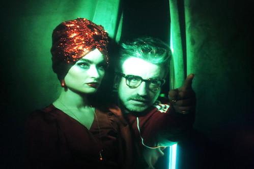 """Cintia Lund y Fernando Diez Cabeza durante la grabación del videoclip de """"La bola de cristal"""""""