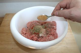 06 - Add mustard seeds / Senfkörner hinzufügen