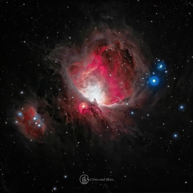 VCSE - A Futó Ember-köd (Sh2-279), a Kis Orion-köd (M43) és a Nagy Orion-köd (M42) - Fotó: Budai Beáta, Paragi Zsolt