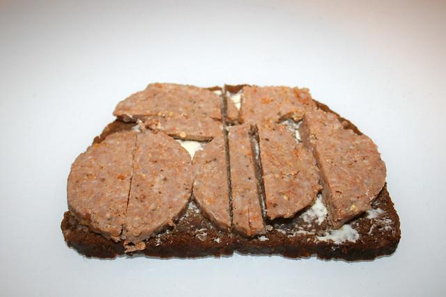 19 - Home boiled minced meat - Served / Eingekochtes Hackfleisch - Serviert