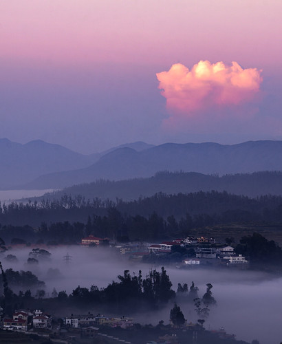 ooty hillstation landcape landscapes landscapephotography india goldenhour indianlandscapes cityscape sunrise