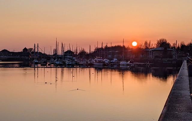 The setting Sun at Preston Docks