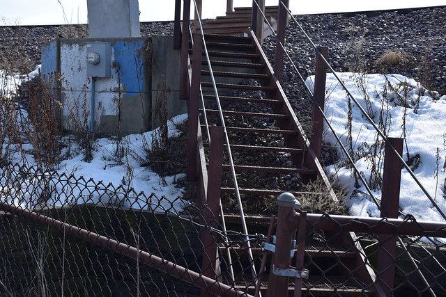 Metra Escape Route- Keep Out!