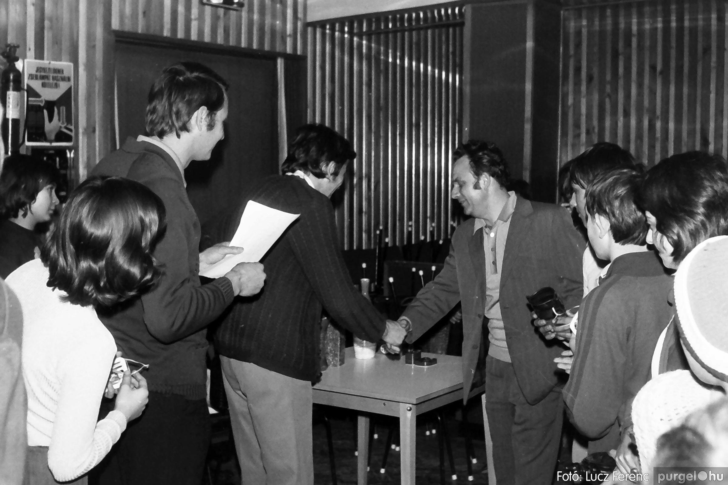 073. 1977. Asztaltenisz verseny 021. - Fotó: Lucz Ferenc.jpg
