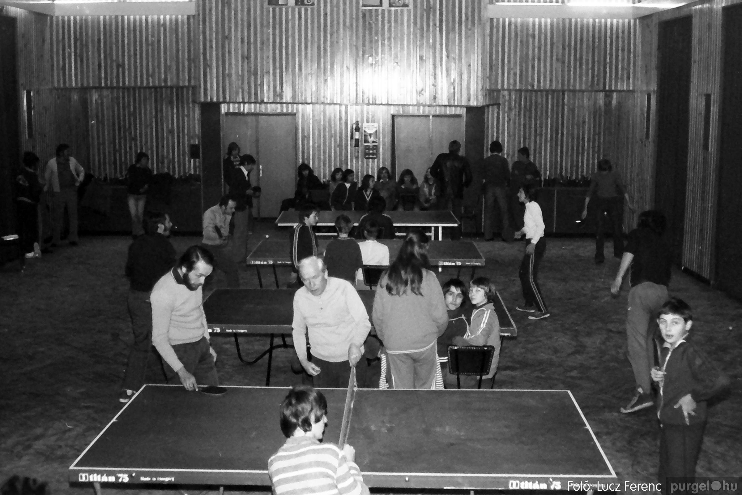 073. 1977. Asztaltenisz verseny 010. - Fotó: Lucz Ferenc.jpg