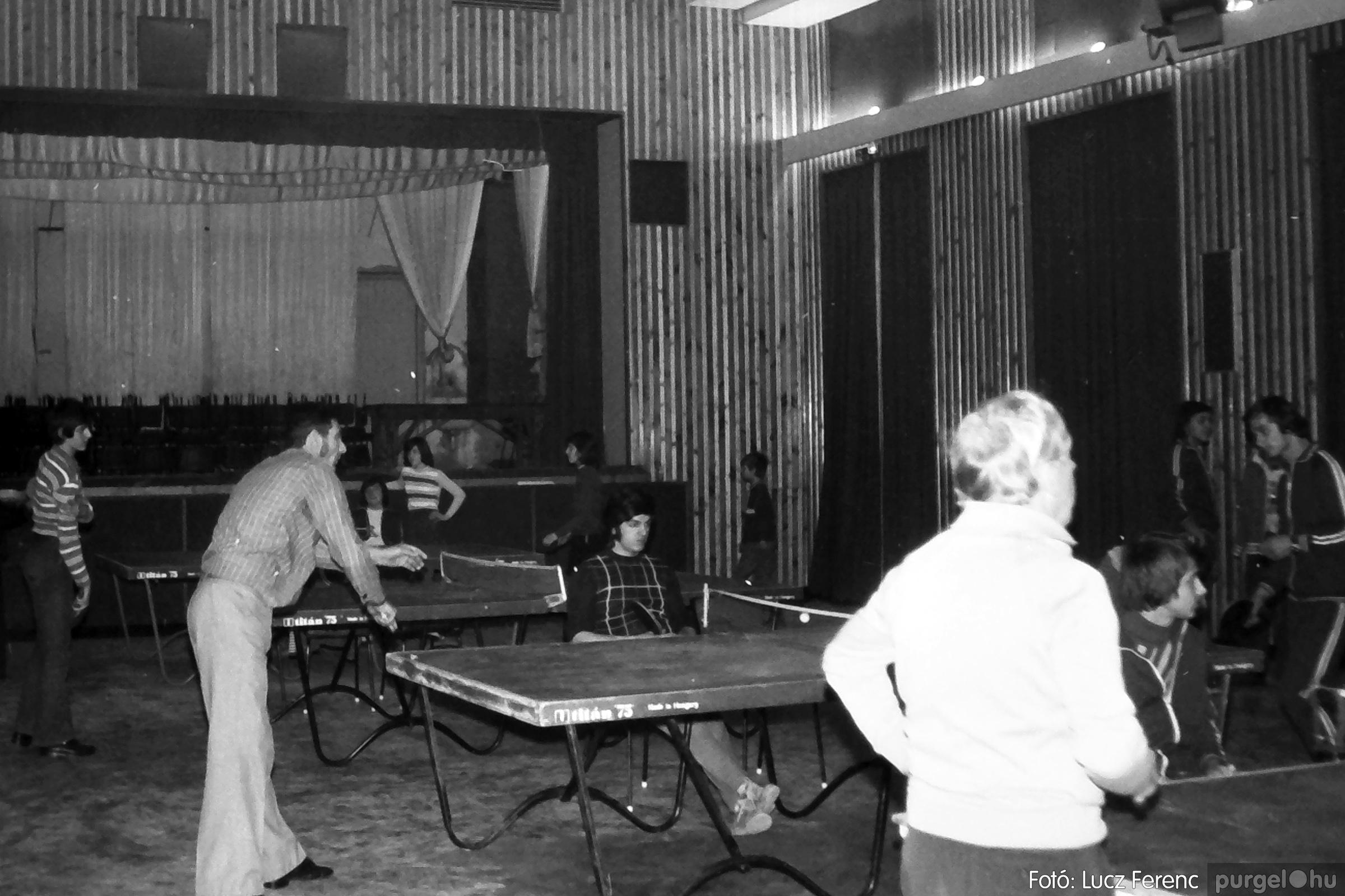 073. 1977. Asztaltenisz verseny 001. - Fotó: Lucz Ferenc.jpg