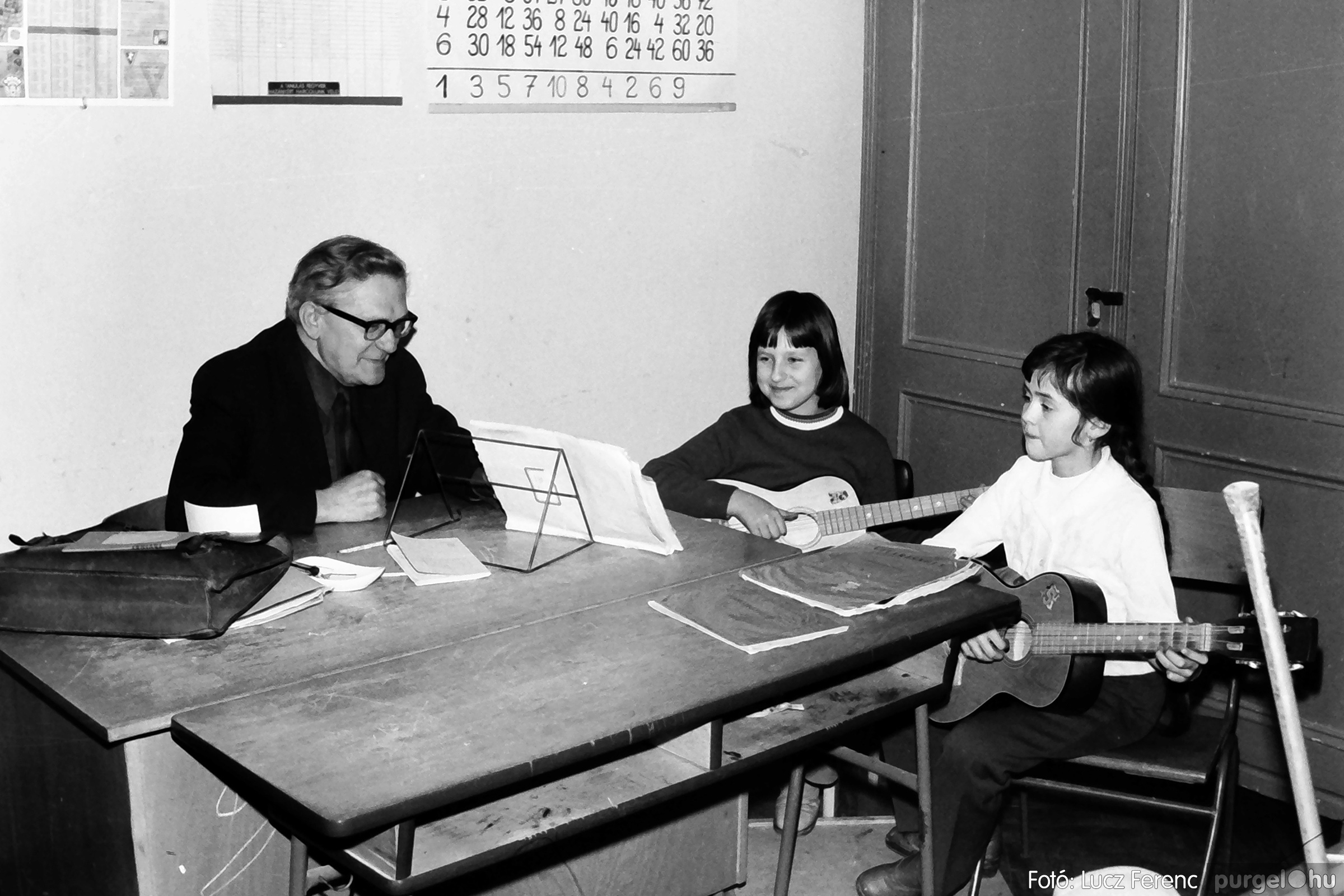 074. 1977. Farsang a gyermekotthonban 014. - Fotó: Lucz Ferenc.jpg