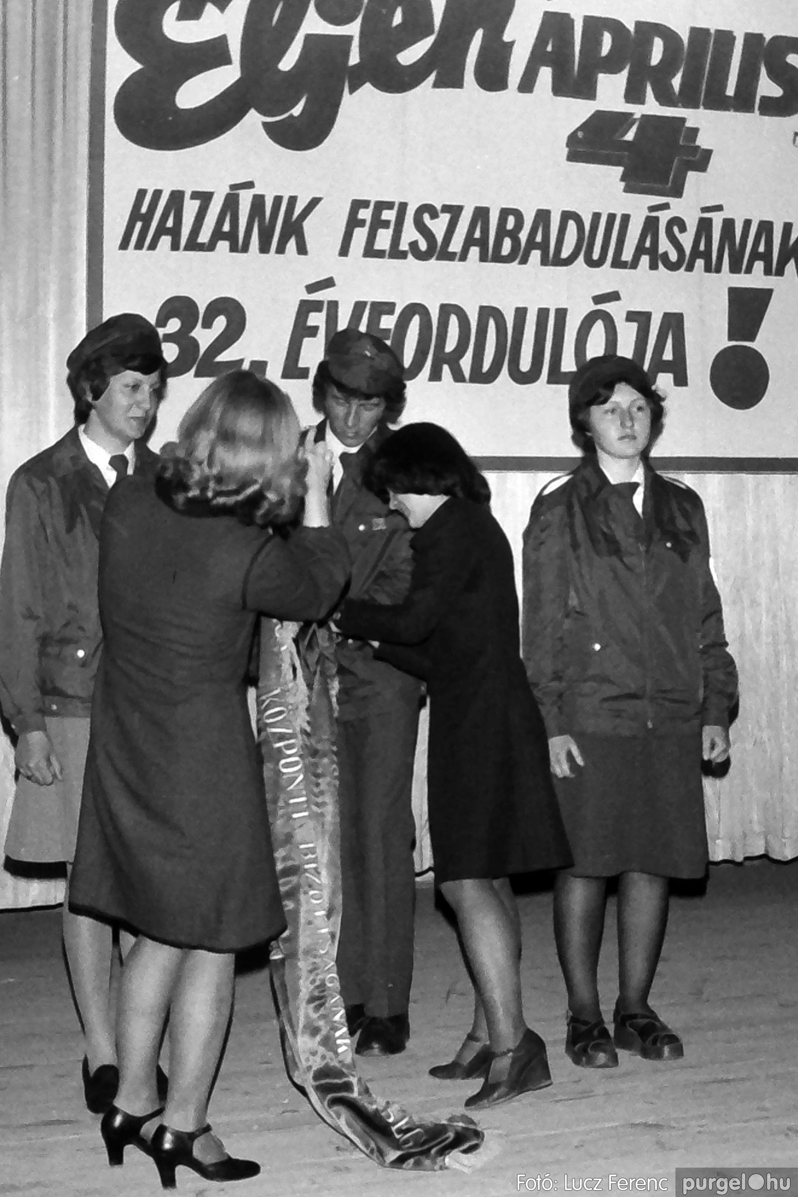 078. 1977.04.04. Április 4-i ünnepség 024. - Fotó: Lucz Ferenc.jpg