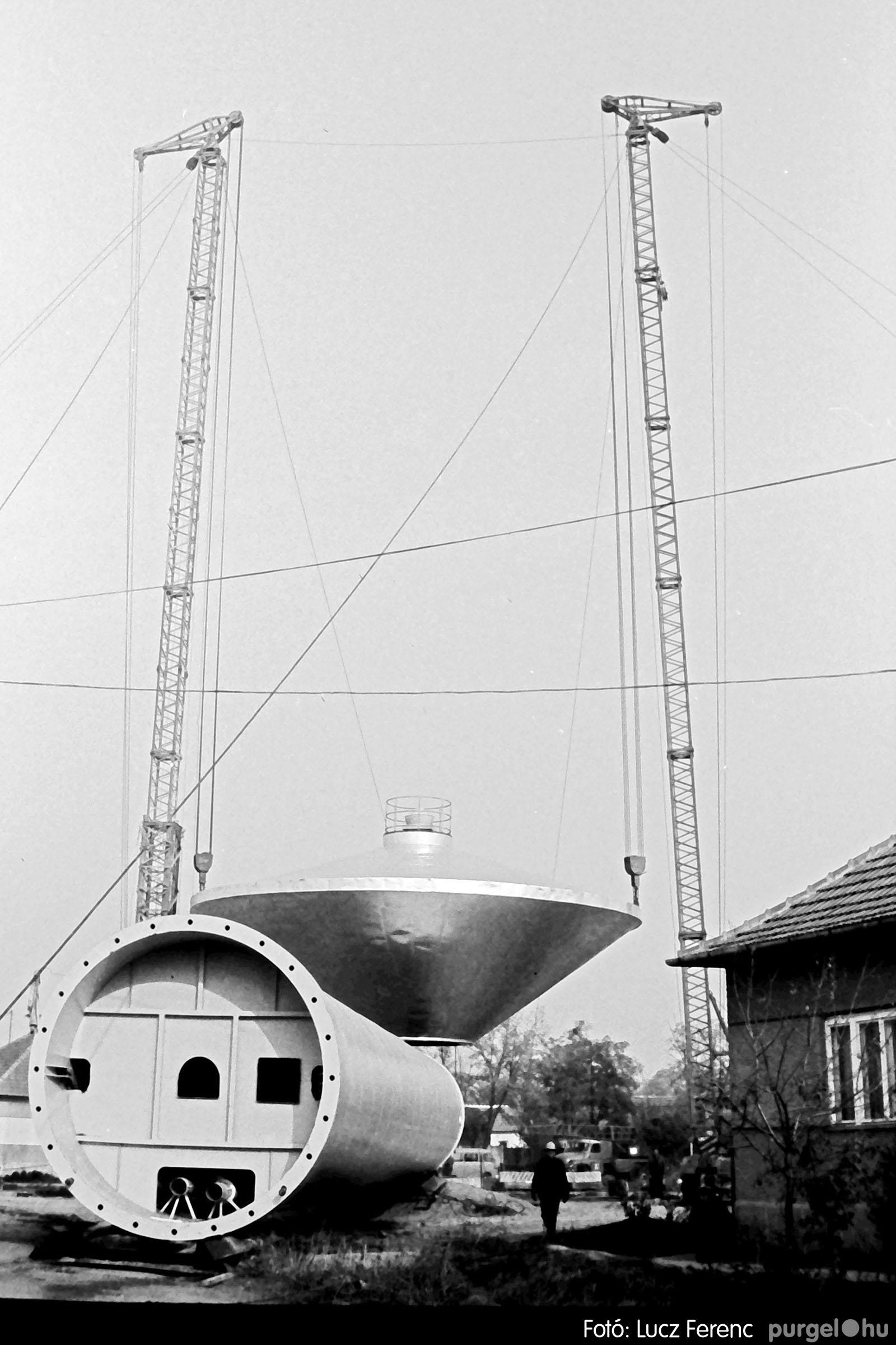 122A. 1978. Épül a víztorony 017. - Fotó: Lucz Ferenc.jpg