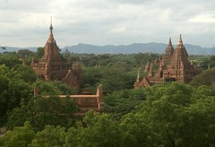 Lots of abandoned temples in Bagan