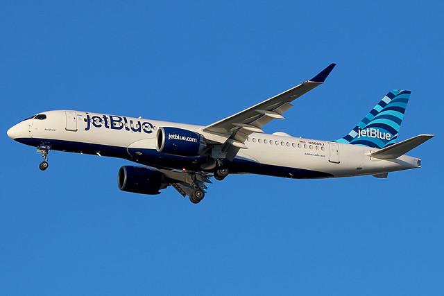N3008J   Airbus A220-300   jetBlue Airways