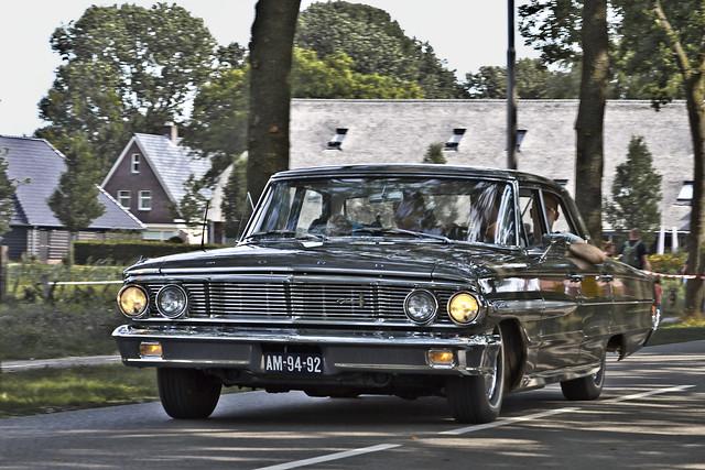 Ford Galaxie 500 Sedan 1964 (8812)