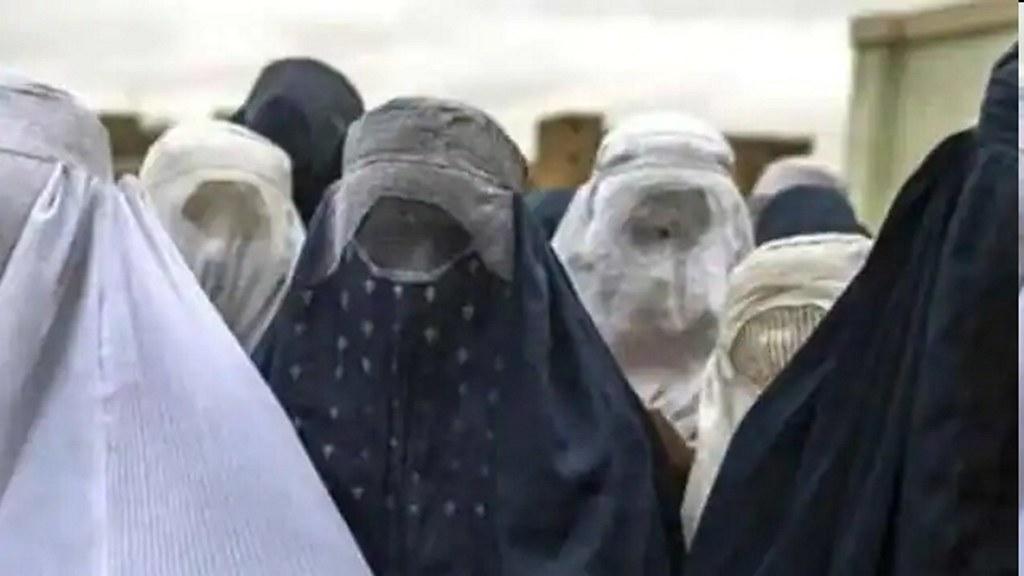 स्विट्जरलैंड में सार्वजनिक जगहों पर बुर्का-नकाब पहनने पर पाबंदी