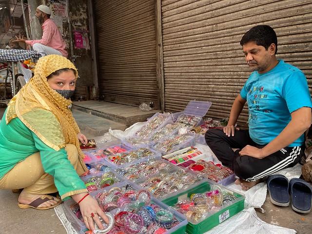 City Hangout - Morning Market, Chitli Qabar9