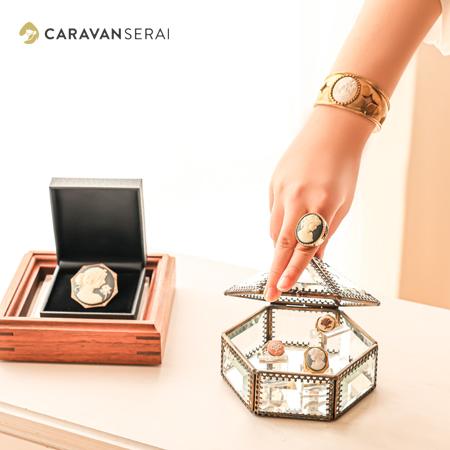 バングル・指輪・ブローチ  | 陶華(TOHCA) 日本で唯一の陶磁器製カメオの製造・販売