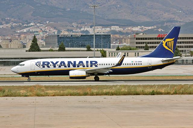 EI-DHW Boeing 737-8AS Ryanair AGP 03-06-12
