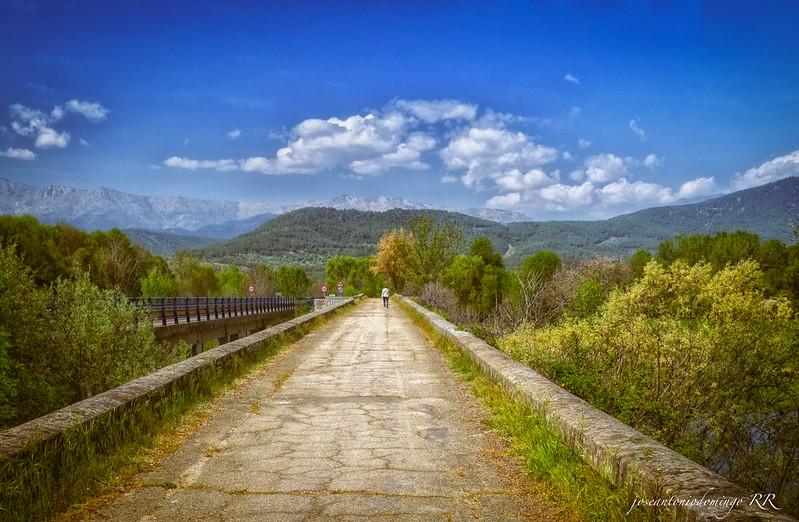 Puente sobre el río Tiétar