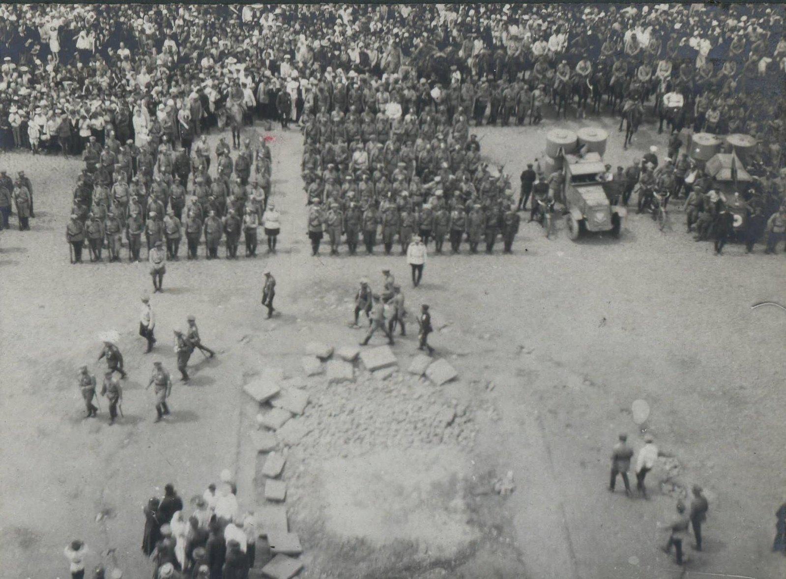 149. 1919. Панихида по павшим воинам в Харькове, июнь