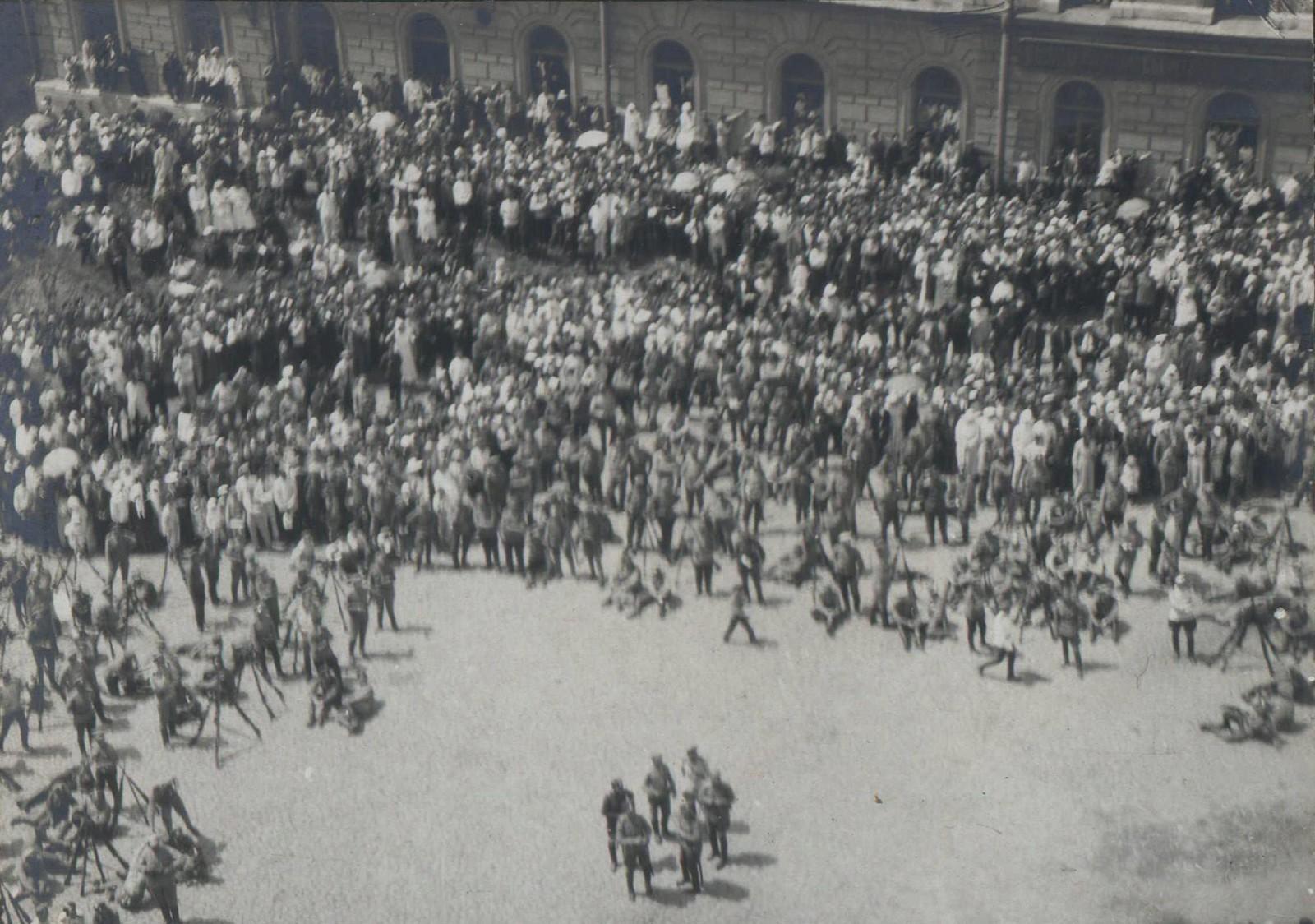 146. 1919. Панихида по павшим воинам в Харькове, июнь