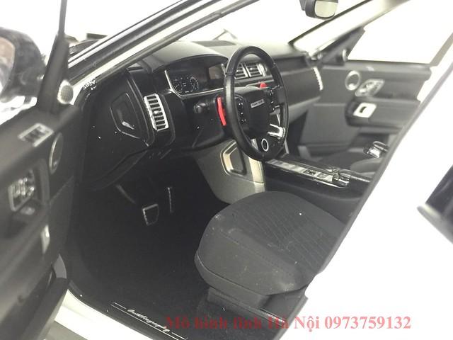 LCD 1 18 Range Rover SV facelift mo hinh o to xe hoi (15)