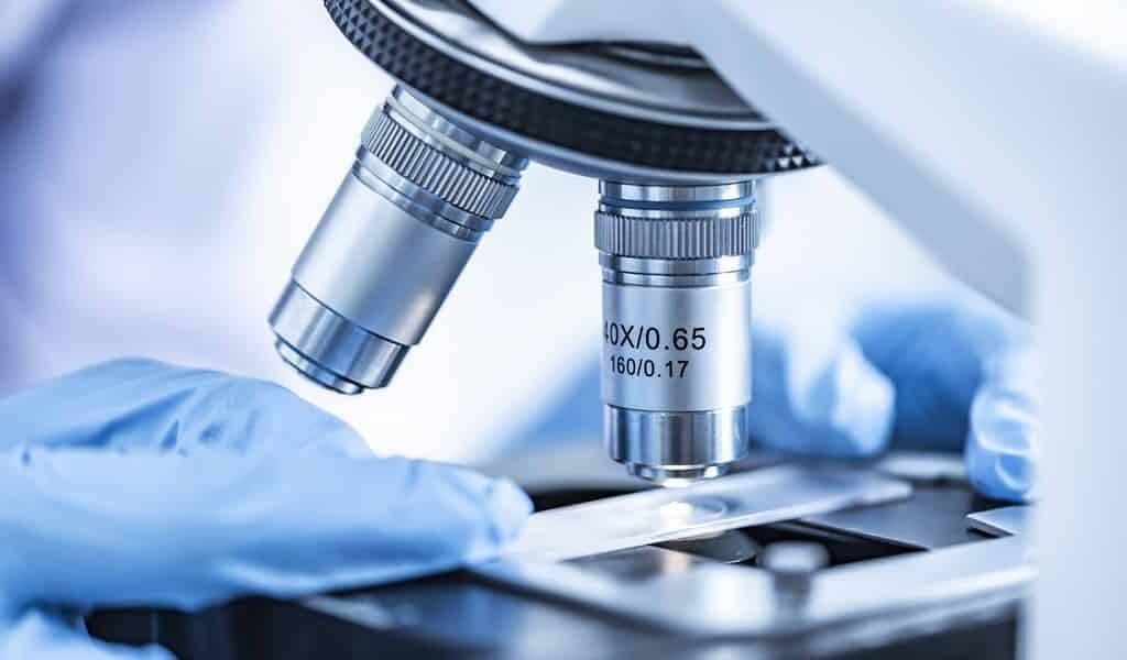 les-variantes-du-virus-évoluent-pour-échapper-aux-vaccins