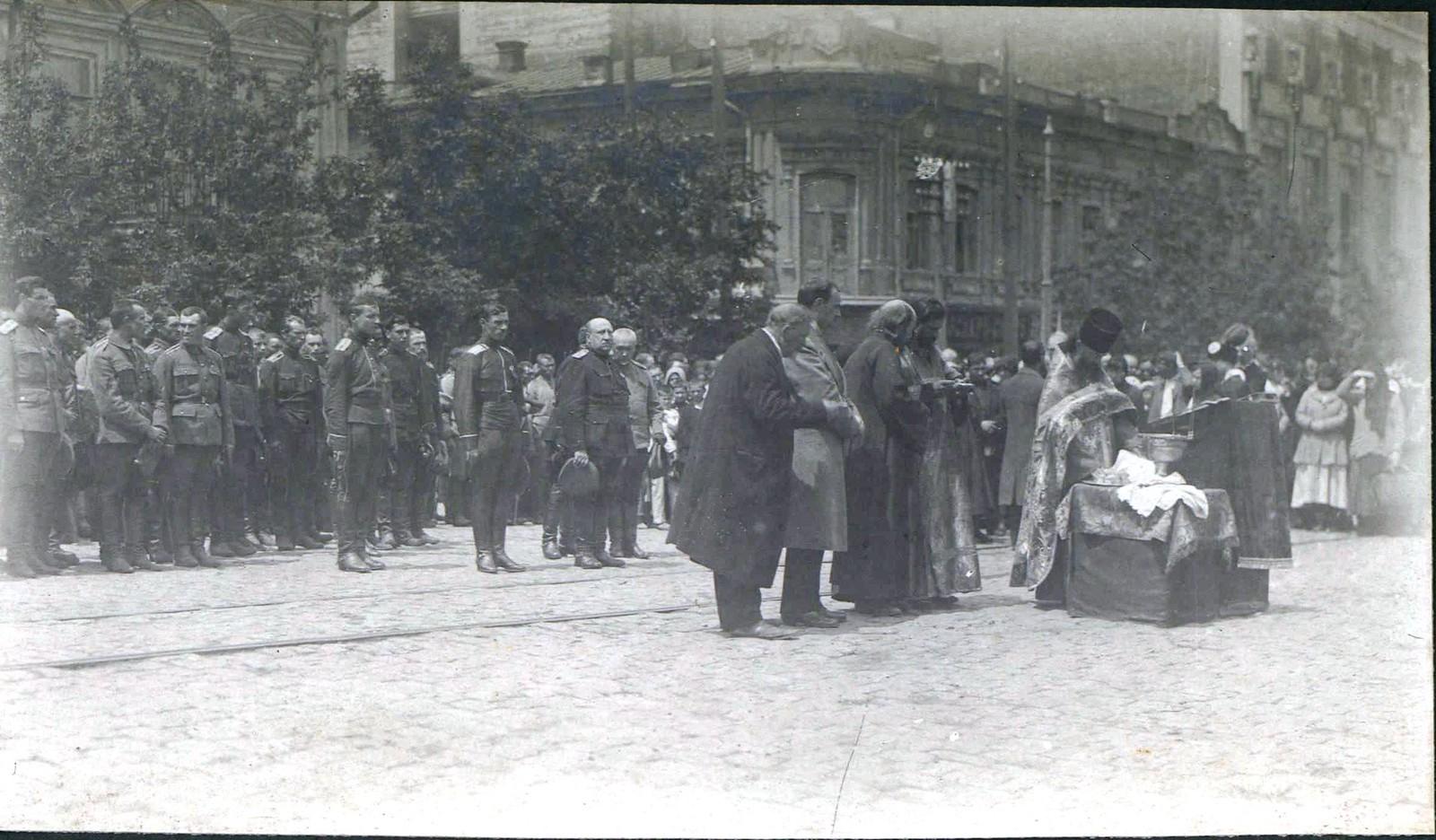82. 1919. Молебен 2-го Корниловского ударного полка.
