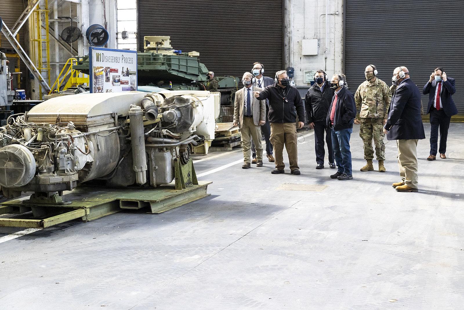 M1 Abrams - Page 3 51016356311_dcf1fb71bd_h