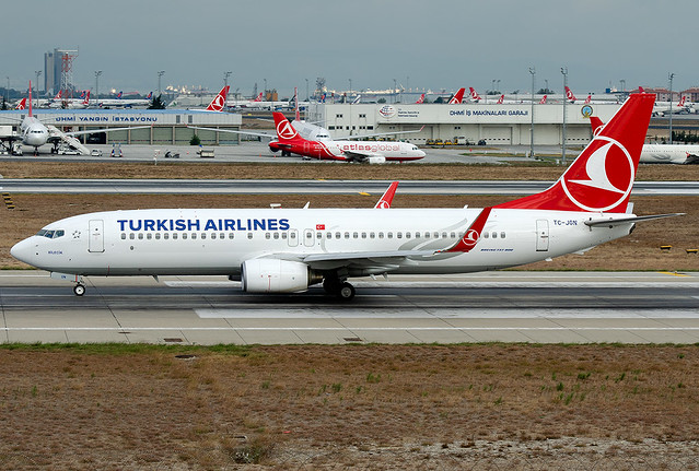 TC-JGN Turkish Airlines Boeing 737-8F2