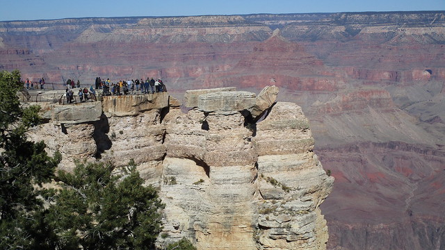 Arizona - Grand Canyon: Mather Point near Grand Canyon Village - for most visitors to the South Rim, this is the first view into the world famous and fascinating  canyon